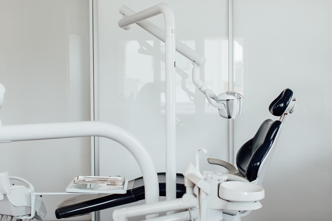 Zahnarzt Puchheim - Praxis Dr. Gebala - Behandlungszimmer