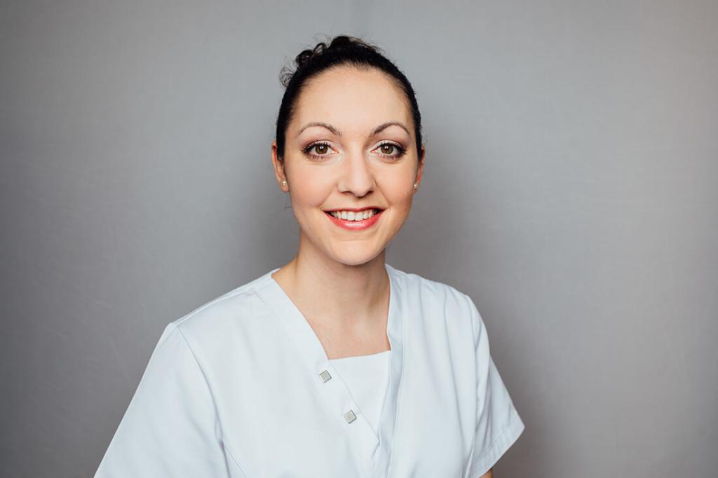 Zahnarzt Puchheim - Gebala - Team - Dr. Jelena Georg