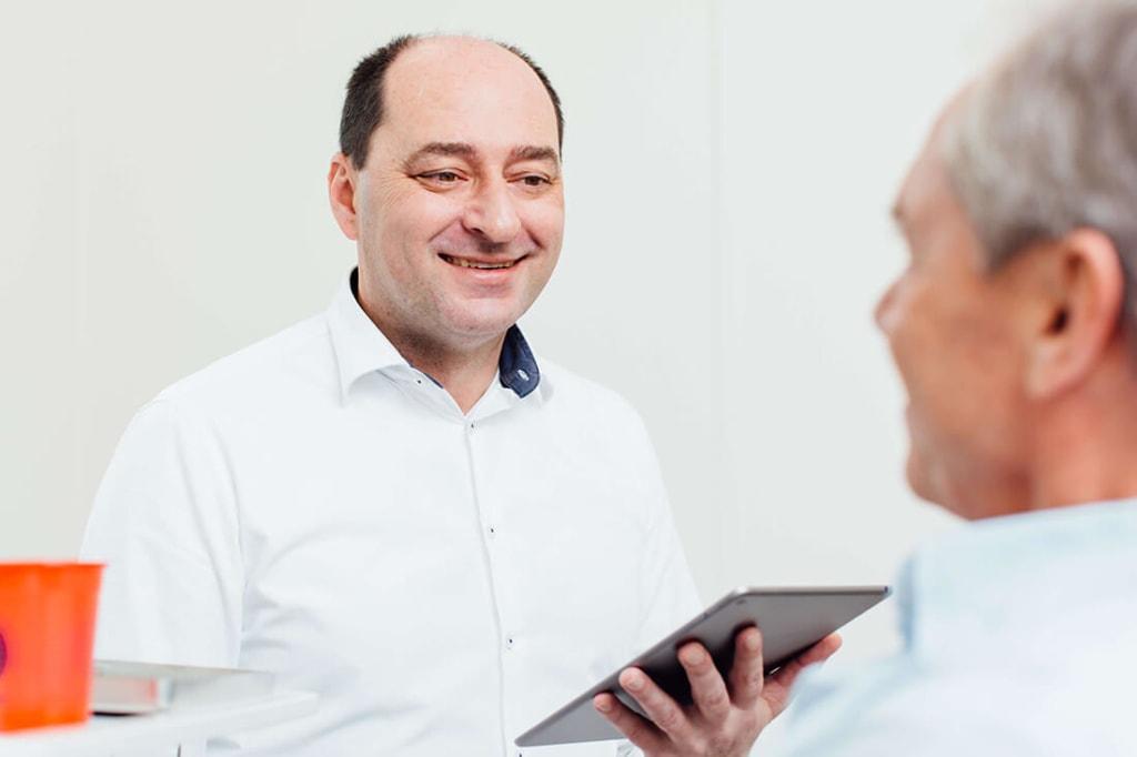 Zahnarzt Puchheim - Praxis Dr. Gebala - Implantate Beratung